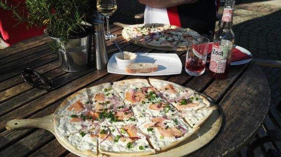 """Hotelrestaurant Village Worpswede: Flammkuchen """"Der Fischer"""""""
