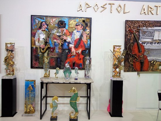 We represent exclusively Apostol, one of the most famous Greek