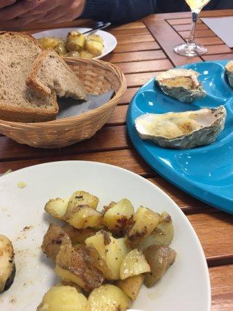 Plouguerneau, France: huîtres chaudes