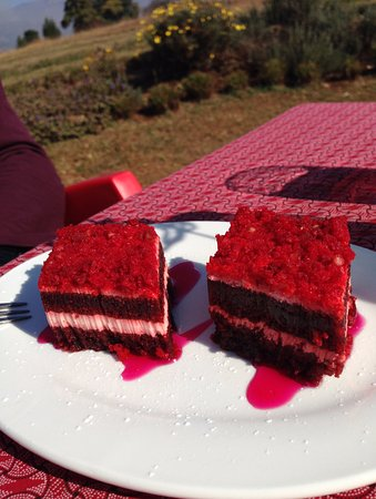 Drakensberg Region, Republika Południowej Afryki: The Best Red Velvet Cake I have tasted