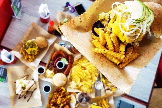 Las Pinas, Filipinler: THIS Garden Burger
