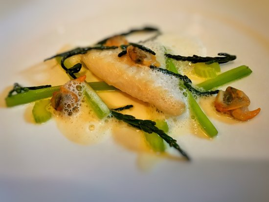 West Hoathly, UK: June visit. Stunning food and location