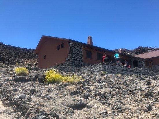 Refugio de Altavista: The refuge