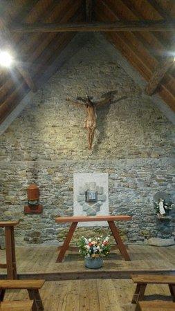 Gressoney Saint Jean, Italy: Interno della stupenda Chiesetta attigua