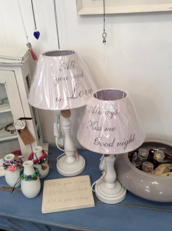 Tenterden, UK: Handmade Jewellery, Bespoke Signs and Carefully selected Homeware