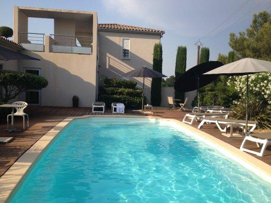 Hotel Le Patio de Violette: La piscine