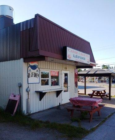 Mont Laurier, Canada: 10 juin 2016 au petit matin