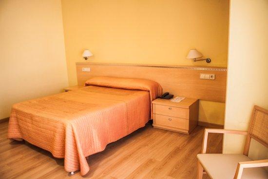 Hoteles villa juanita desde o grove espa a for Precio habitacion matrimonio completa