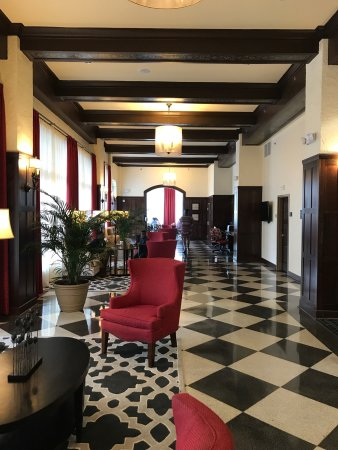 Hampton Inn & Suites Bradenton Downtown Historic District : photo1.jpg