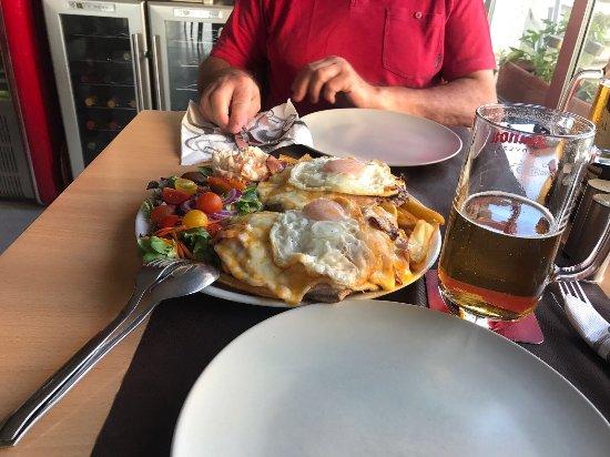 Razo : Le fameux Chivito (plat pour 2 couverts)