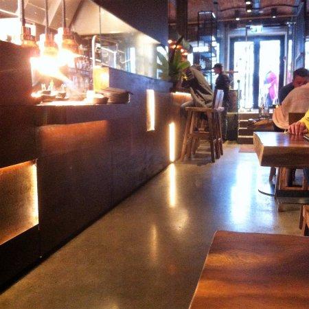 sala comedor con barra. Amplio y moderno - Picture of TOA - Taste Of ...