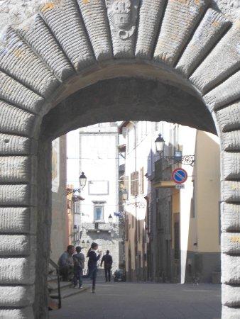 Vitorchiano, Italia: porta principale