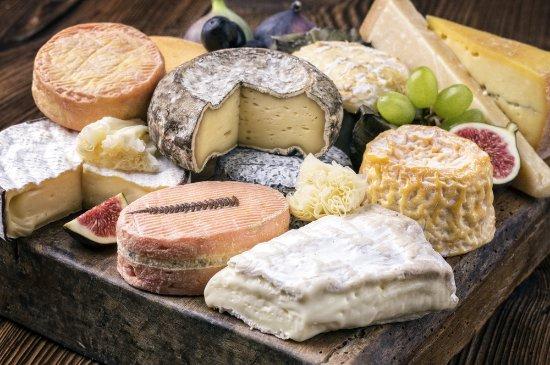 Levallois-Perret, Γαλλία: Plateau de charcuterie et fromages