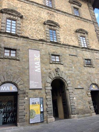 MAEC - Museo dell'Accademia Etrusca: Ingresso del museo