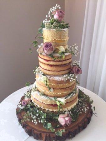 Burton upon Trent, UK: Naked wedding cake