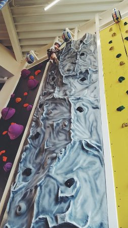 Kidderminster, UK: auto belay routes