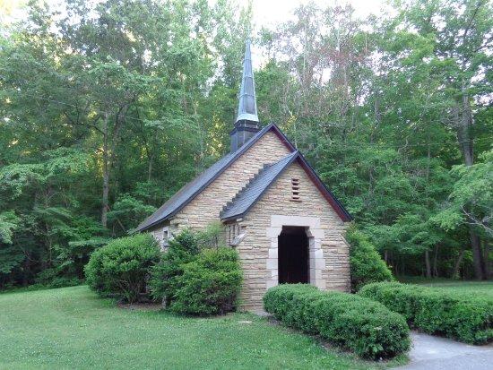 Burns, TN: Beautiful church