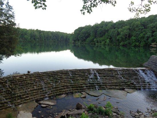Burns, TN: Short hike