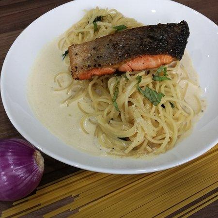 Bukit Mertajam, Malaysia: Grilled Salmon Carbonara