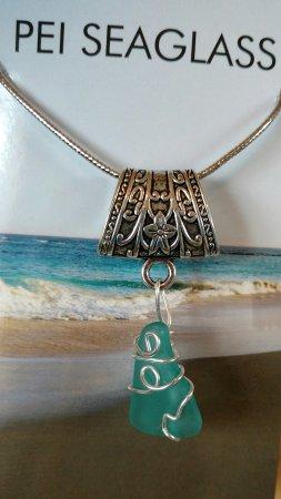 Souris, Canada: Beautiful Seaglass beach n shop