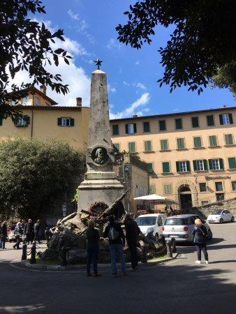 Piazza Garibaldi: Monumento a Garibaldi