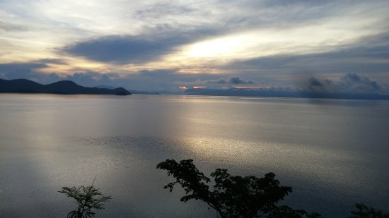 Culion, Filipinler: Behind the Immaculate Conception Church . Capture the beautiful sunrise view .
