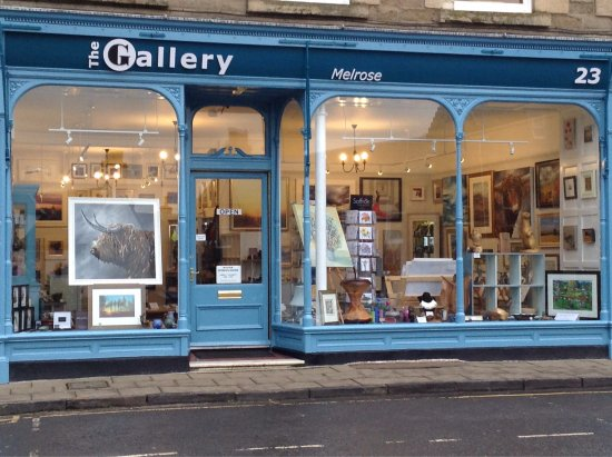 Μέλροουζ, UK: Our shop front and Gallery owners Iain Louden and David Wallace.