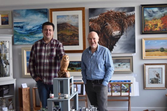 Melrose, UK: Our shop front and Gallery owners Iain Louden and David Wallace.