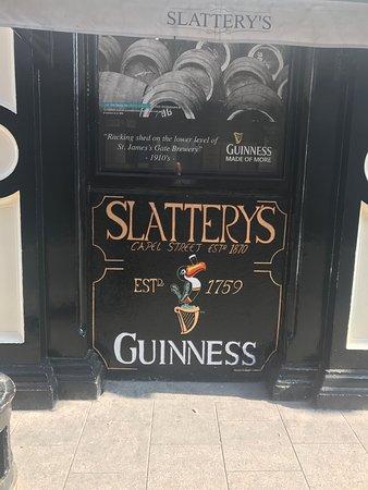 Slattery's: Few little photos of Slatterys Bar Capel St