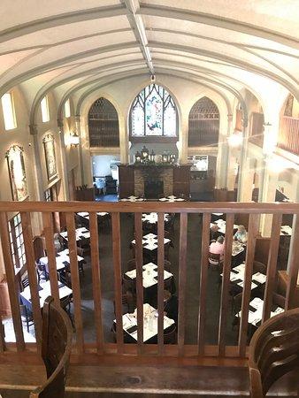 Wheaton, IL: Glorious Interior
