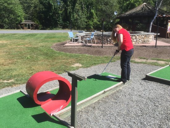 Paradise Stream Resort: Mini Golf