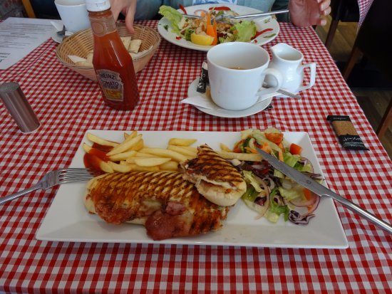 Guisborough, UK : Great lunch in The Village Bistro