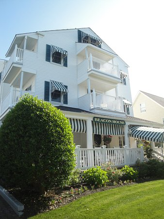 Sea Girt, NJ: Front of one building