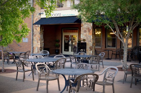 Dining patio outside Spoons bistro & bakery