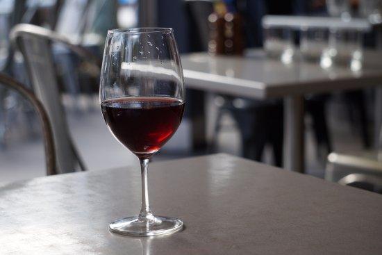 Gaston : Hollys Garden Pinot
