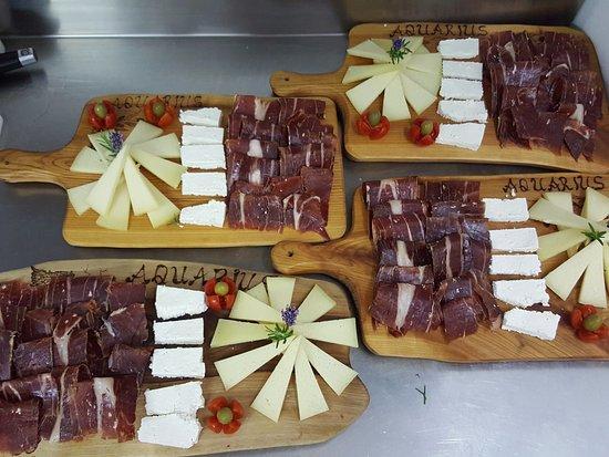 Buje, Chorwacja: istrian dried ham,sheep chease