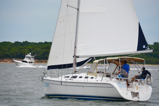 Sag Harbor, NY: Captain Eric and Friends Sailing around Shelter Island