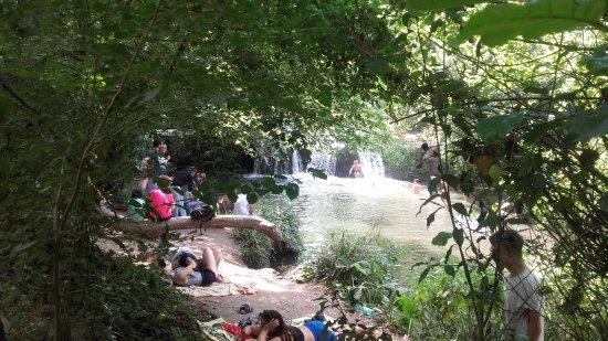 Mazzano Romano, Italy: La cascata di Monte Gelato all'inizio del sentiero