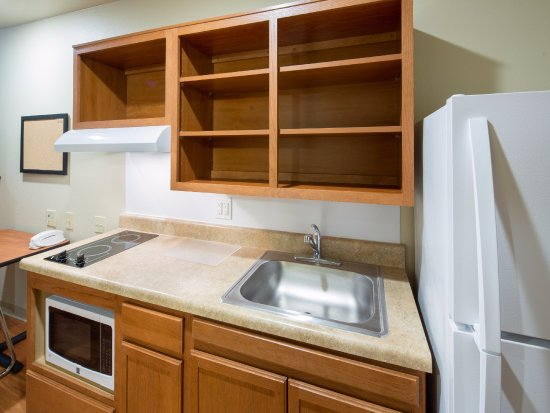 Mentor, OH: In-Room Kitchen