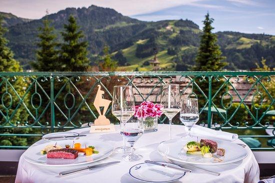 Tennerhof Gourmet & Spa de Charme Hotel: Ihr Tisch auf der Terrasse im Tennerhof Kitzbühel