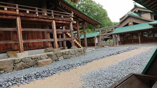 Kasama, Japan: 本殿を横から