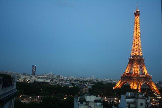 Shangri-La Hotel Paris: View from balcony 506