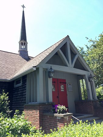 St. Mary's Episcopal Church: Front of the church
