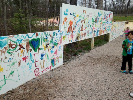 Creedmoor, NC: Paint Wall Fun