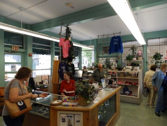 Drake Well Museum: Gift shop