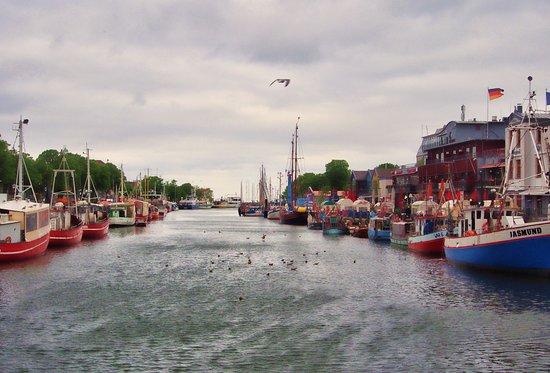 Warnemnde, Almanya: Le canal