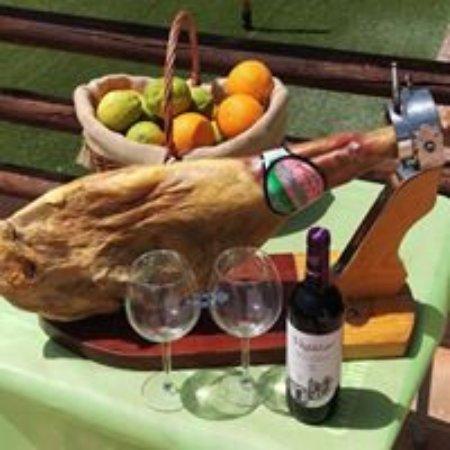 Restaurante El Mirador del Genal: Excellent food and wine