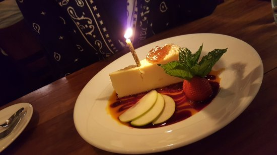 Basso56 : Torta di Ricotta - Ricotta cheesecake, mango and raspberry sauce, fig jam