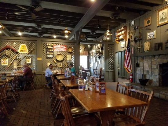 Casa Grande, AZ: Classic Cracker Barrel
