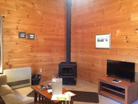 Sterling Ridge Resort: Inside Cabin